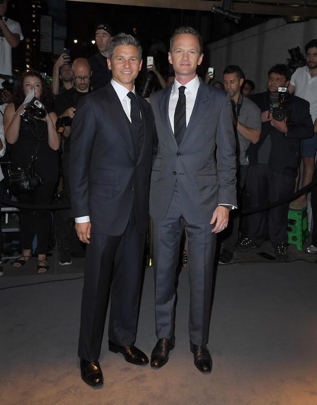 Nova York_Spring 2017 - Tom Ford - Neil Patrick Harris e David Burtka (Foto: AFP)