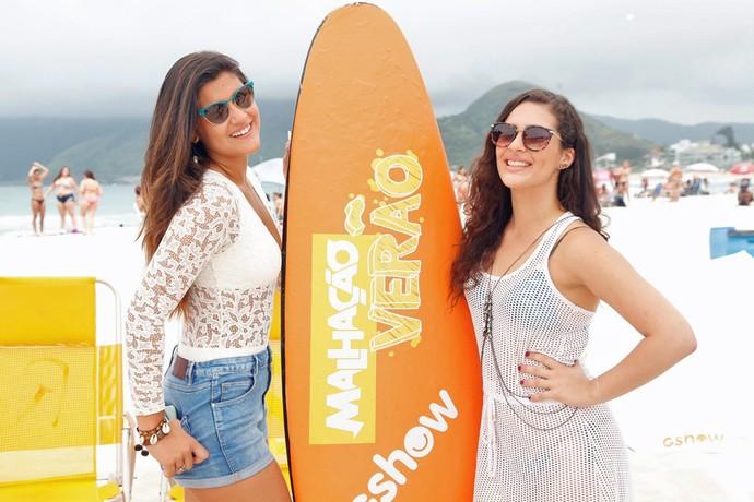 Giulia Costa e Lívian Aragão posam lindas com seus looks de verão (Foto: Artur Meninea/Gshow)