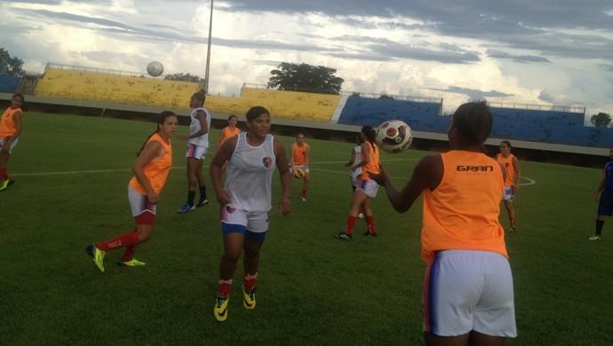 Estrela Real treina para enfrentar o Rio Preto na Copa do Brasil (Foto: Edson Reis/GloboEsporte.com)