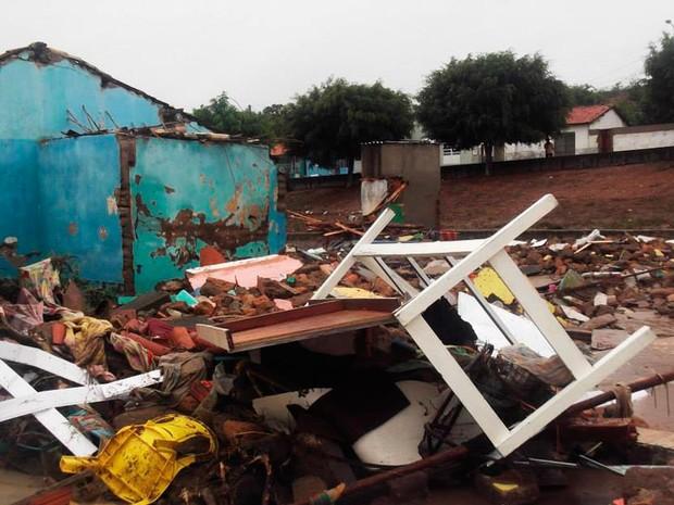 Chuva em Lajedinho (Foto: Marcos Antônio Oliveira/Arquivo Pessoal)
