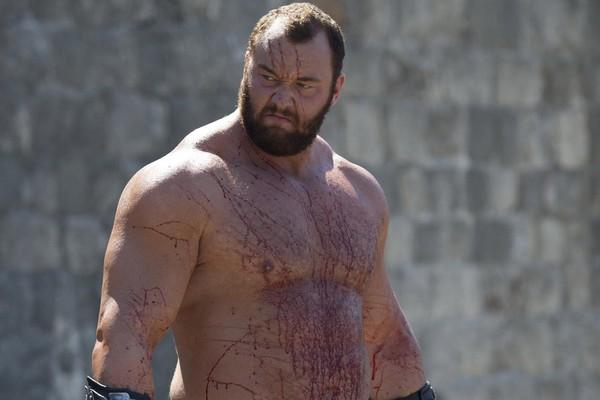 Hafþór Júlíus Björnsson em cena de Game of Thrones (Foto: Divulgação)