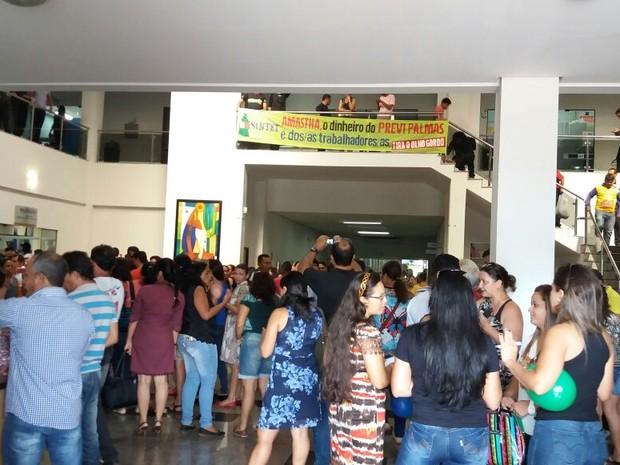 Servidores reunidos na Câmara dos Veradores (Foto: Núbia Martins/Sintet/Divulgação)