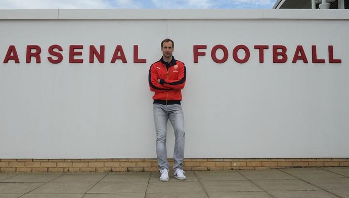Cech anuncia acerto com o Arsenal (Foto: Facebook)
