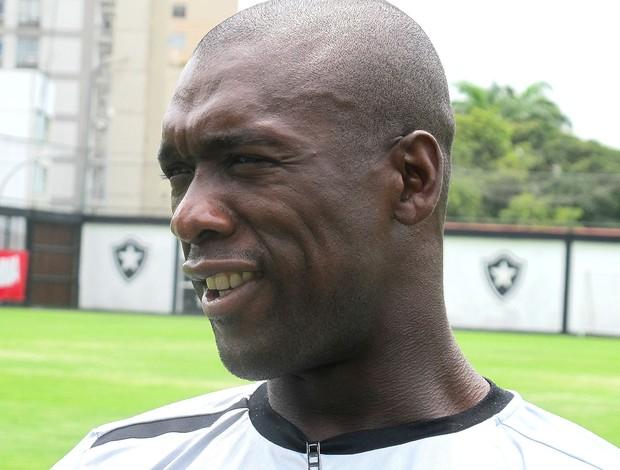 Seedorf matéria de domingo NÃO USAR entrevista Botafogo (Foto: Thales Soares / Globoesporte.com)