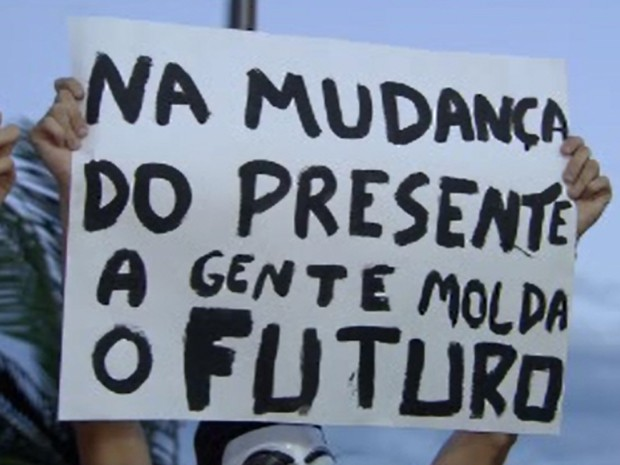 Manifestantes realizam quarto dia de protestos em Santos (Foto: Reprodução/TV Tribuna)