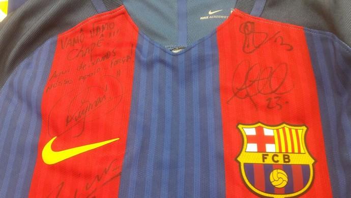 camisa Neymar Barcelona Chapecoense (Foto: Divulgação )