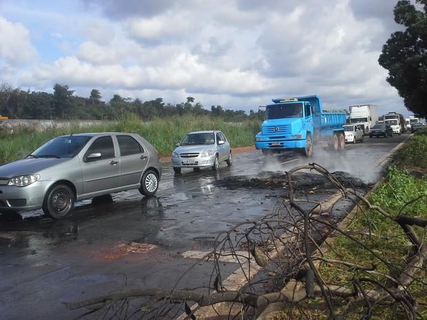 Carros já têm acesso à entrada de São Luís (Foto: João Ricardo/G1)