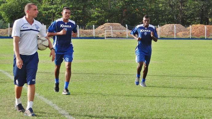 Charles Vagner e Diego Clementino estão em fase final de recuperação (Foto: Henrique Pereira/GloboEsporte.com)