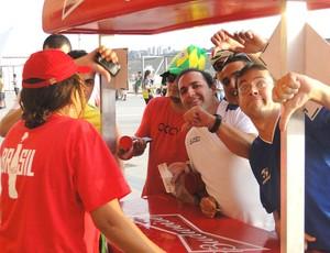 sem cerveja Dia de torcedor Minerão (Foto: Valeska Silva)