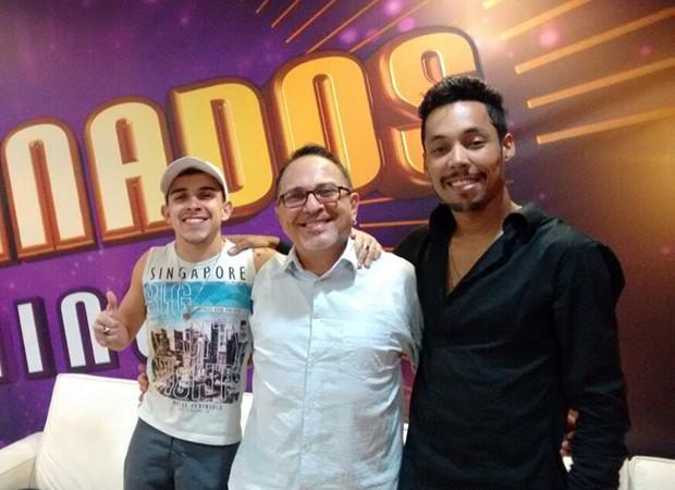 Tadeu Matias é só alegria ao lado de Matheus Fernandes e Kiell Cavalcanti (Foto: Arquivo Pessoal)
