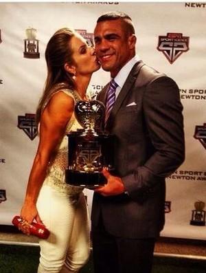 Vitor Belfort e Joana Prado premiação EUA (Foto: Divulgação)