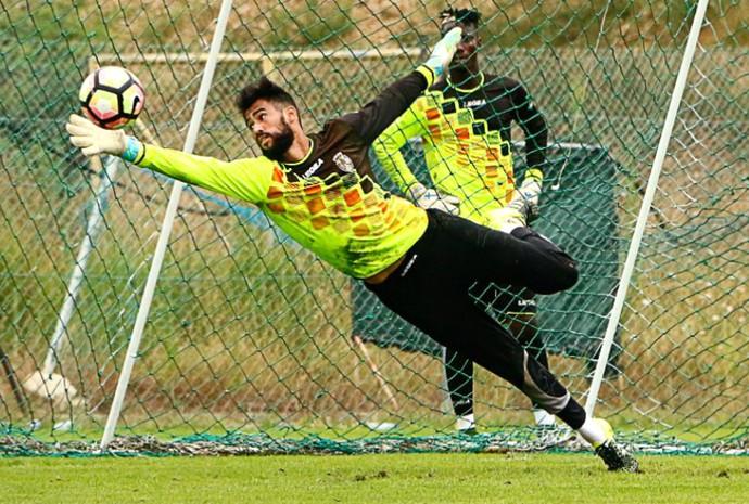 Vaná - goleiro do Feirense de Portugal - ex-ABC (Foto: Divulgação)