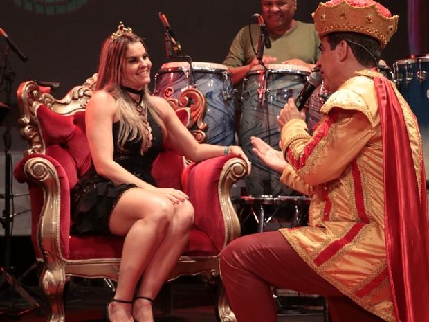 Durval Lellys e a mulher, Thiara Tavares, em show em Salvador, na Bahia (Foto: Fred Pontes/ Divulgação)