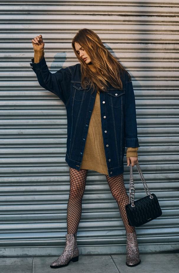 Jaqueta jeans tamanho giga atualiza o look (Foto: Eduardo Bravin)