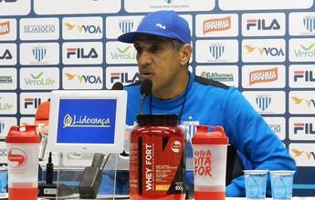Silas reclama da desatenção do time e espera correção contra o Vila Nova
