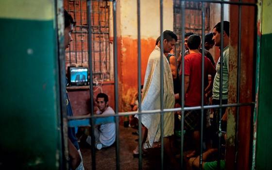 Cadeia Pública Desembargador Rimundo Vidal Pessoa,em Manaus .Criada em 1907 continua em uso (Foto: Mario Tama/Getty Images)