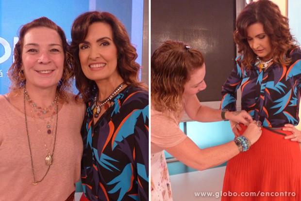 Fátima Bernardes e a figurinista Marina Alcântara (Foto: Encontro com Fátima Bernardes/ TV Globo)