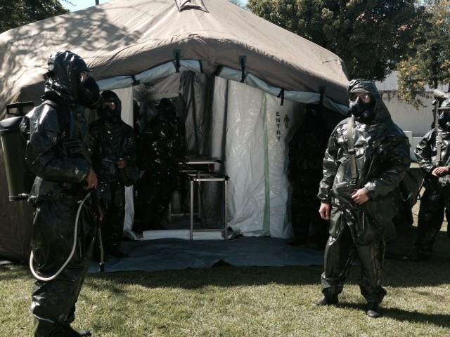 Tenda de descontaminação que será usada durante o Mundial (Foto: Alba Valéria Mendonça / G1)