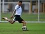 Com edema na coxa, Paulinho deve desfalcar o Santos contra o Audax