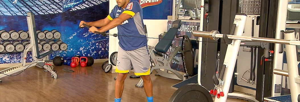Atacante Ramón Ábila está no Cruzeiro fazendo exames, para assinar com o clube