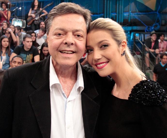 Luiza Possi e Liber Gadelha na gravação do 'Altas Horas' (Foto: Marcos Mazini/Gshow)