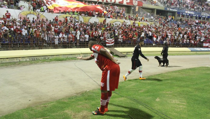 Danilo Pires, meia do CRB Gol (Foto: Denison Roma / GloboEsporte.com)