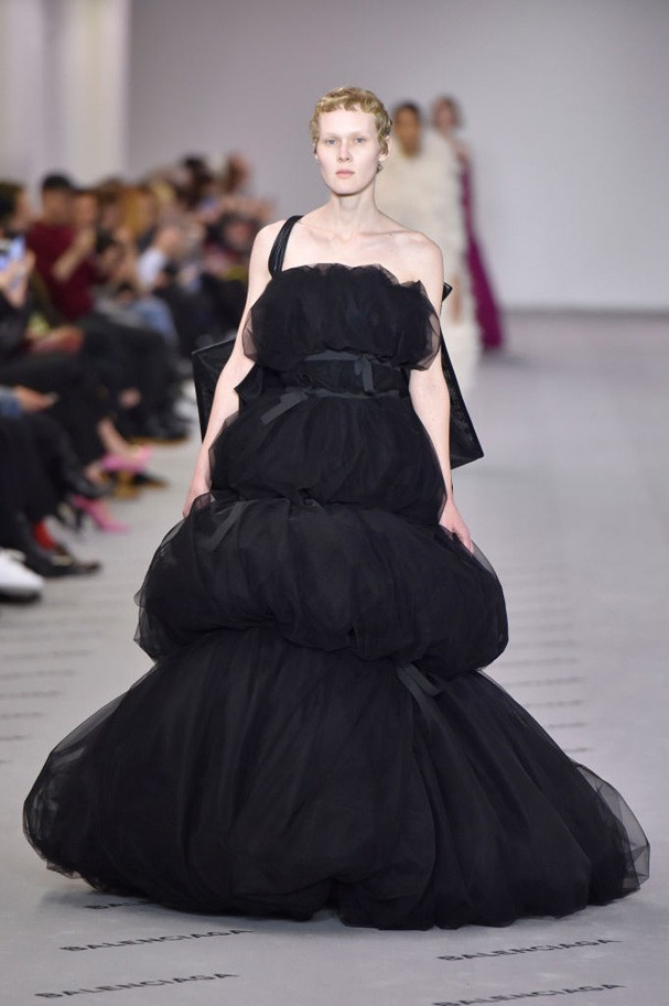 Tule na Balenciaga (Foto: Getty Images)