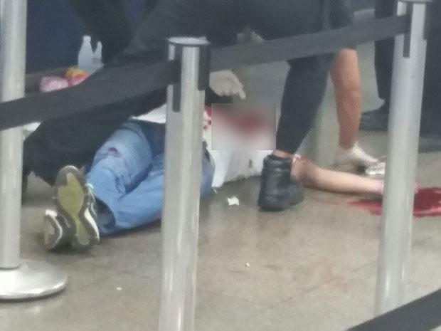 Homem é baleado no Metrô da Uruguaiana (Foto: Deiglison Bastos / WhatsApp)