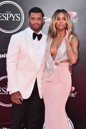 Russell Wilson e Ciara em premiação esportiva em Los Angeles, nos Estados Unidos (Foto: Alberto E. Rodriguez/ Getty Images/ AFP)