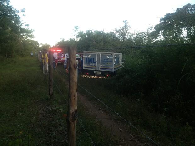 O corpo de Kely foi conduzido ao IML de Palmas (Foto: Jesana de Jesus/G1)