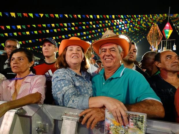 Maria do Socorro e Edvaldo Andrade no São João de Caruaru 2015 (Foto: Lafaete Vaz/ TV Asa Branca)