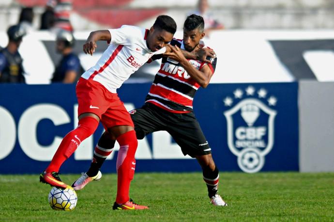 Santa Cruz x Internacional (Foto: Aldo Carneiro (Pernambuco Press))