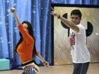 Gissoni madruga para aprender passos do 'Dança': 'Ensaiei até 2h da manhã'