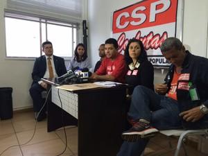 Dissidentes do sindicato dos rodoviários disseram que a adesão a greve foi de 60% (Foto: Lívia Torres / G1)