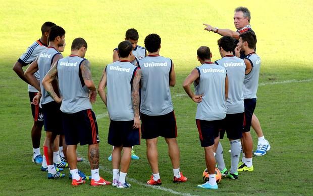 Abel Braga treino Fluminense (Foto: Fernando Cazaes / Photocamera)