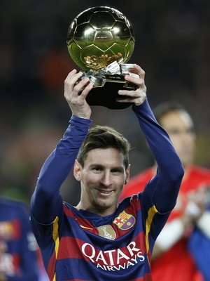 Messi Bola de Ouro Barcelona x Athletic Bilbao (Foto: AP)