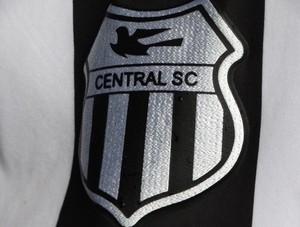 escudo central de caruaru (Foto: Lafaete Vaz / GloboEsporte.com)