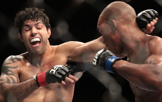 Nicholas Musoke Viscardi Andrade UFC Jaraguá do Sul (Foto: Rodrigo Malinverni)