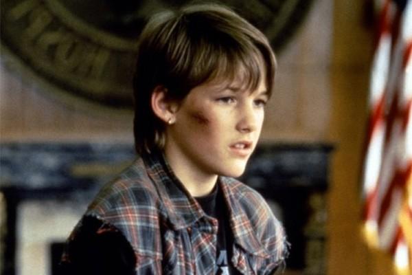 O astro do filme 'O Cliente', de Joel Schumacher, sofreu uma overdose de heroína em 2005, quando tinha 25 anos. A morte de Brad Renfro foi considerada acidental pelas autoridades. (Foto: Divulgação)