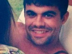 Carlos Doberto Cabral da Silva, de 31 anos, foi preso na Vila de Ponta Negra, em Natal (Foto: Reprodução/Polícia Civil)