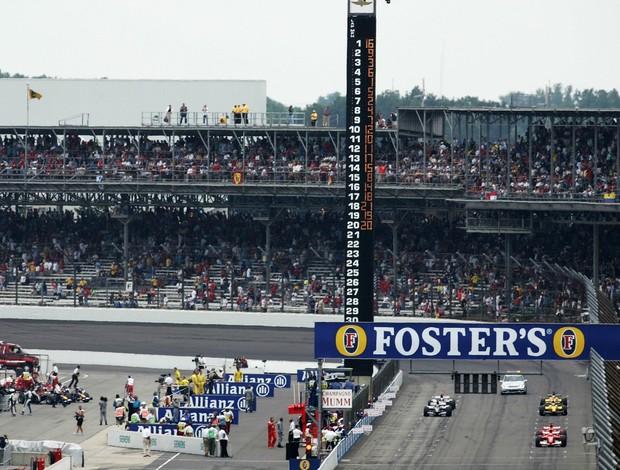 Apenas seis carros largaram no GP dos Estados Unidos de 2005 em Indianápolis (Foto: Getty Images)
