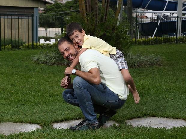 Blog Anedotas de mãe - Leonardo Veloso e Miguel