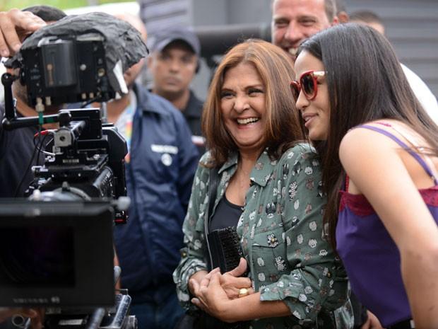Elizângela e Nanda Costa: amizade dentro e fora das telas  (Foto: Raphael Dias/TV Globo)