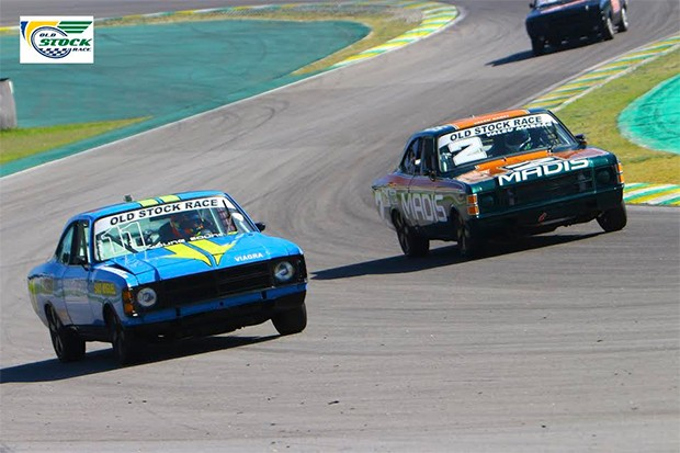 Alex Pimenta #2 e Robson Molly #11 no S do Senna nas primeiras voltas (Foto: Humberto Silva/OSR)