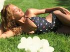 De maiô ousado, Beyoncé exibe corpão em fotos