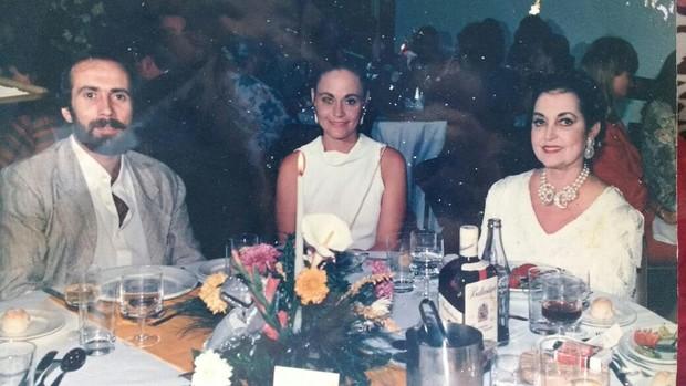 O ex-marido  e ex-jogador do Bahia, Marcos Barreto, com Cynthia Isensee (Foto: Arquivo pessoal)