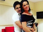 Zezé Di Camargo, depois de polêmica, posa com Graciele