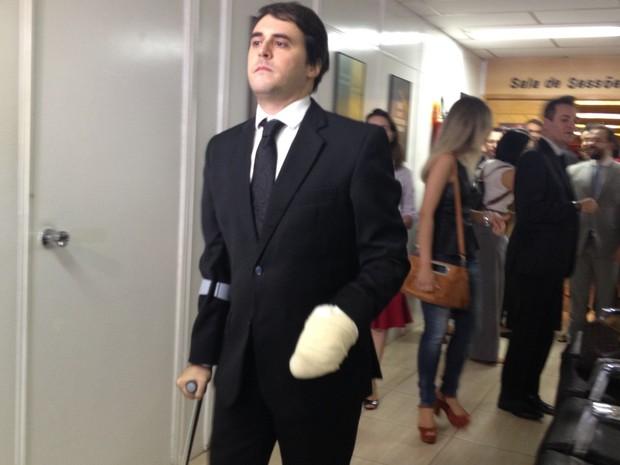 Advogado Walmir Oliveira da Cunha ferido em atentado perde três dedos: 'Vou buscar me adaptar' em Goiás (Foto: Sílvio Túlio/G1)