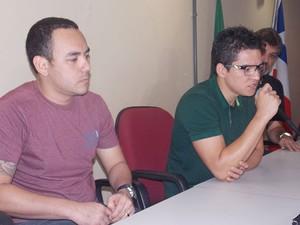 Funcionários de navio (Foto: Henrique Mendes / G1)