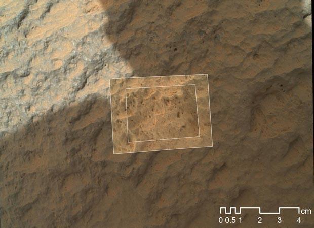 Imagem fechada da pedra Jake Matijovic, em Marte (Foto: Nasa/JPL-Caltech/MSSS)